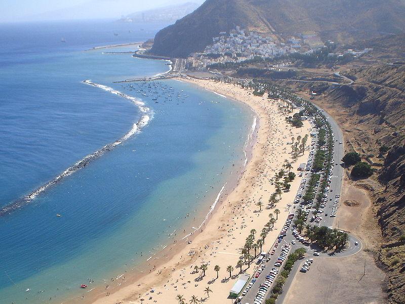 800px-playa_de_las_teresitas_en_santa_cruz